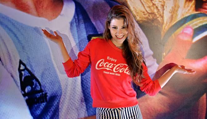 Penyanyi Indonesia Terpilih Untuk Bawakan Lagu Resmi Piala Dunia 2014