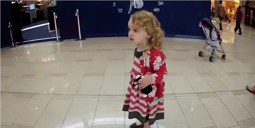 Gadis Kecil Non-Muslim Ini Kagum Saat Mendengar Adzan