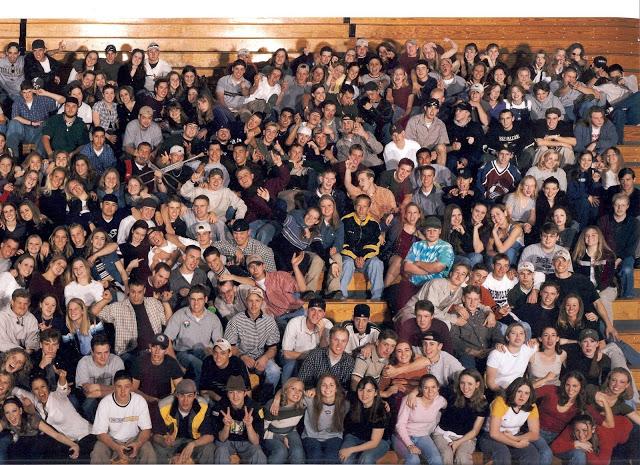 Columbine Class Photo of '99