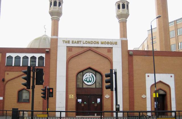 Gereja di Inggris Berkurang, Muslim Justru Berkembang Pesat