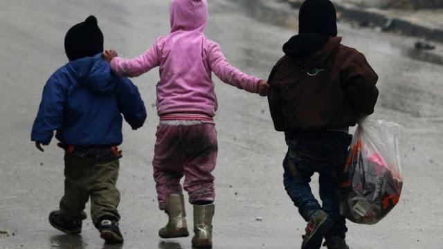 Namun tiga orang anak ini tetap mampu bertahan di wilayah yang dikuasai pemberontak di Aleppo, yang menjadi sasaran serangan pasukan pemerintah dengan dukungan serangan udara Rusia.