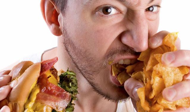 Dampak Buruk Makan Terlalu Kenyang