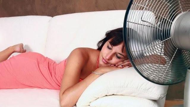 Kamu Suka Tidur Dengan Kipas Angin Menyala Sepanjang Malam? Hati-Hati! Ini Bahayanya