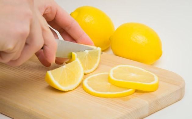 perasan lemon untuk kesehatan kulit